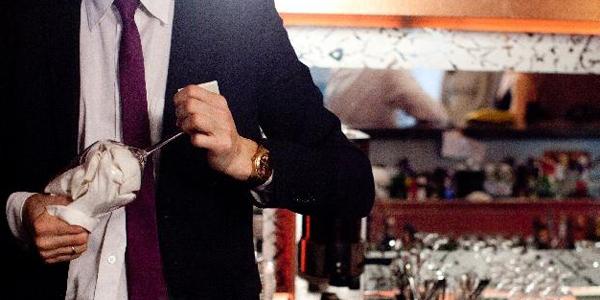 キャバクラ店男性スタッフの仕事内容